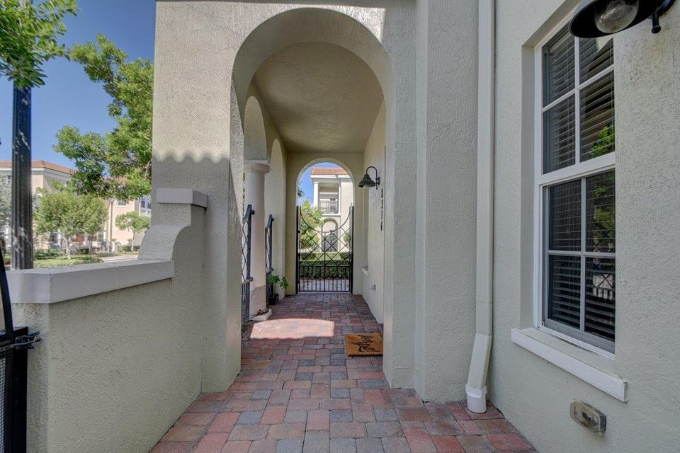 Additional photo for property listing at 8316 NW 8th Terrace  Boca Raton, Florida 33487 United States