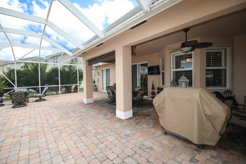 Additional photo for property listing at 1476 NW Leonardo Circle  Port St. Lucie, Florida 34986 États-Unis
