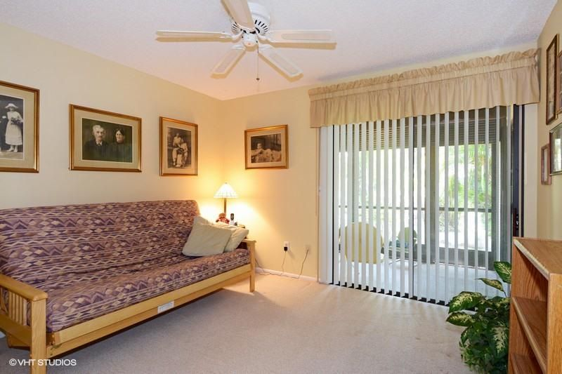 Additional photo for property listing at 168 Sarita Court 168 Sarita Court Royal Palm Beach, Florida 33411 United States