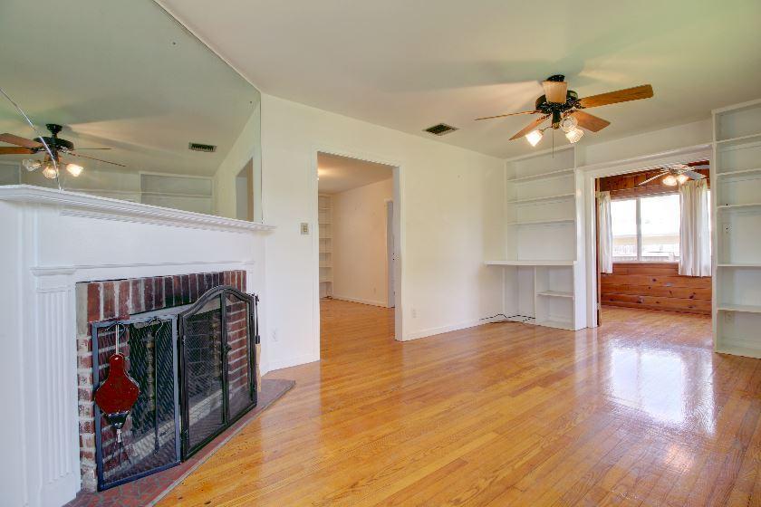 Additional photo for property listing at 114 Lake Worth Avenue  Lake Worth, 佛罗里达州 33462 美国