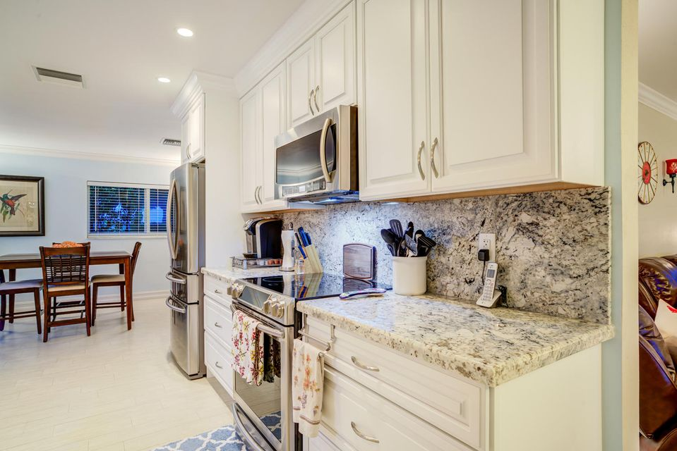 Additional photo for property listing at 1295 SW Sycamore Terrace 1295 SW Sycamore Terrace Boca Raton, Florida 33486 États-Unis
