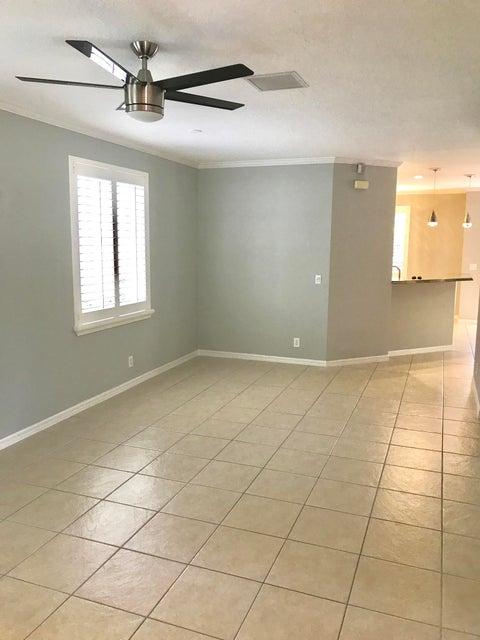 Additional photo for property listing at 380 Columbus Street  棕榈滩花园, 佛罗里达州 33410 美国
