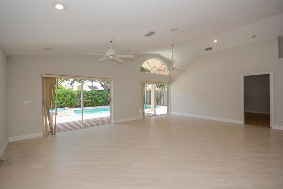 Additional photo for property listing at 10784 Crescendo Circle 10784 Crescendo Circle Boca Raton, Florida 33498 États-Unis