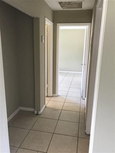Additional photo for property listing at 2184 Pretty Lane  West Palm Beach, Florida 33415 Vereinigte Staaten