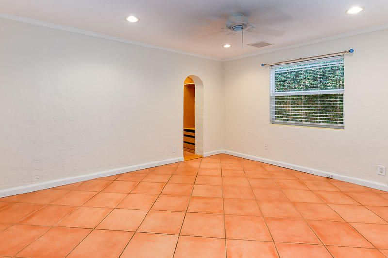 Additional photo for property listing at 142 Alpine Road 142 Alpine Road West Palm Beach, Florida 33405 United States