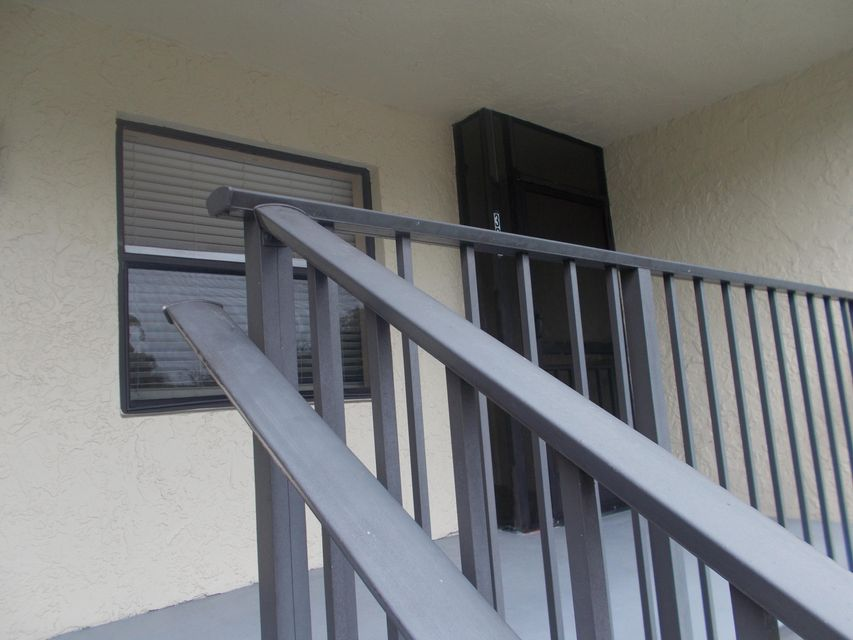 Co-op / Condominio por un Venta en 3529 Englewood Drive 3529 Englewood Drive Lake Worth, Florida 33467 Estados Unidos