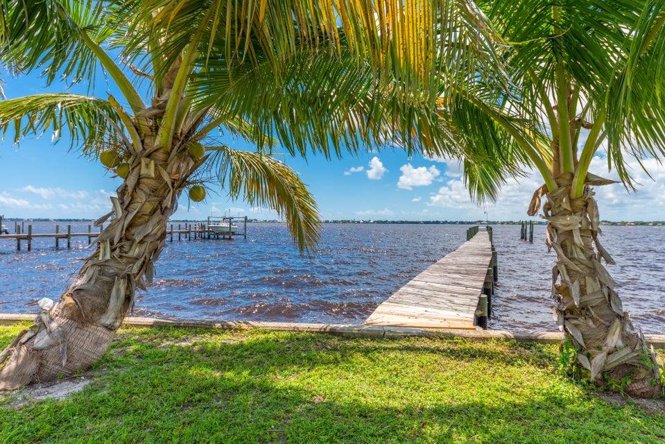 Rentals for Sale at 850 NE Ixora Drive 850 NE Ixora Drive Jensen Beach, Florida 34957 United States
