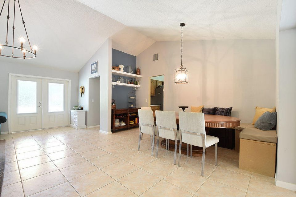 Additional photo for property listing at 6800 146th Road N  Palm Beach Gardens, Florida 33418 Estados Unidos