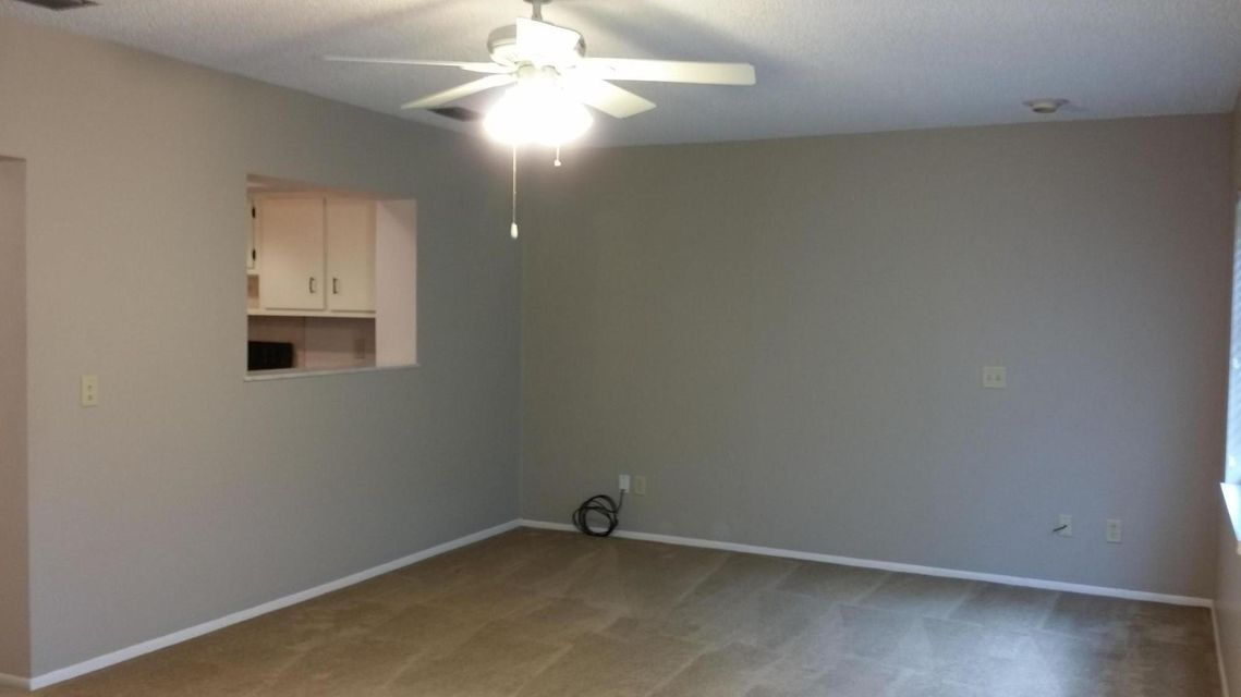 Additional photo for property listing at 151 NE Penlynn Avenue  Port St. Lucie, Florida 34983 États-Unis