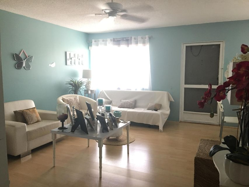 Additional photo for property listing at 3300 Springdale Boulevard  Palm Springs, Florida 33461 United States