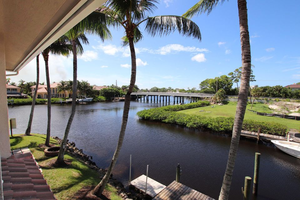 Additional photo for property listing at 9177 SE River Terrace  Tequesta, Florida 33469 États-Unis