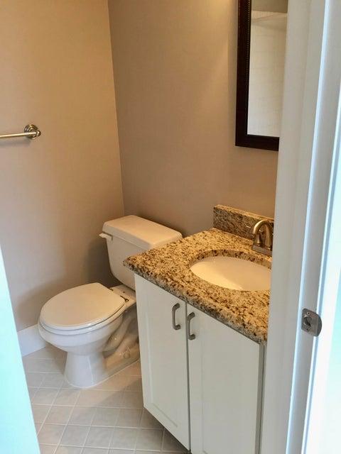 Additional photo for property listing at 966 E Jeffery Street  Boca Raton, Florida 33487 États-Unis