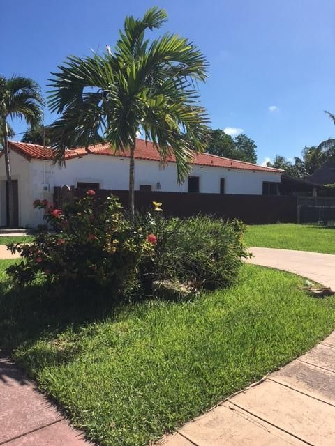 Additional photo for property listing at 7756 Hawthorne Avenue  Miami Beach, Florida 33141 Vereinigte Staaten