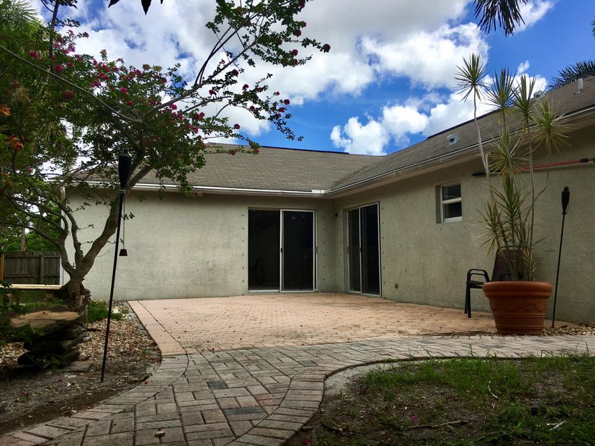 Additional photo for property listing at 1782 SW Carolina Street 1782 SW Carolina Street Port St. Lucie, Florida 34953 Estados Unidos
