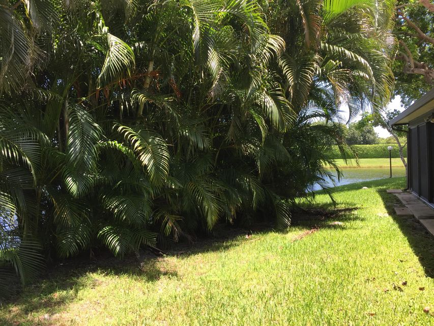 Additional photo for property listing at 10558 Beach Palm Court  Boynton Beach, Florida 33437 United States