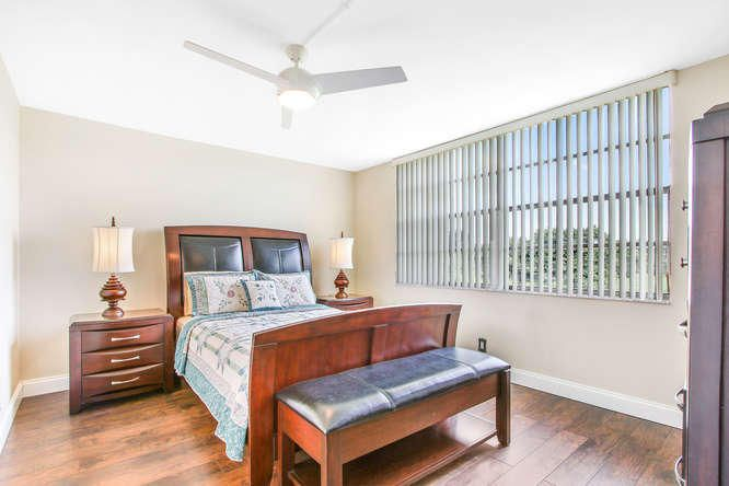 Additional photo for property listing at 24 Abbey Lane 24 Abbey Lane Delray Beach, Florida 33446 États-Unis