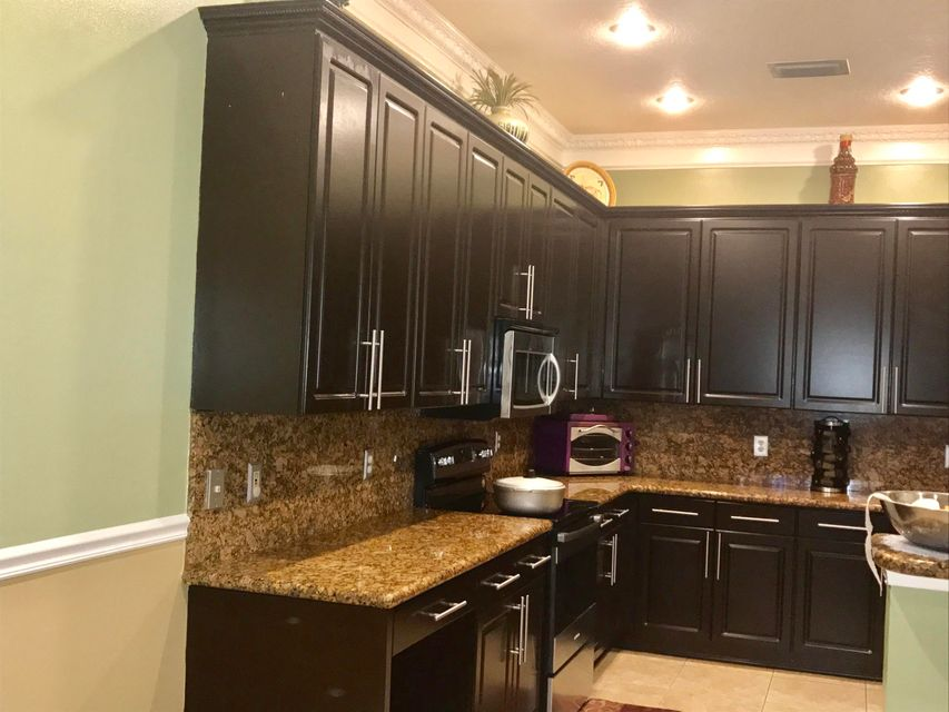 Additional photo for property listing at 2609 Arbor Lane 2609 Arbor Lane Royal Palm Beach, Florida 33411 United States