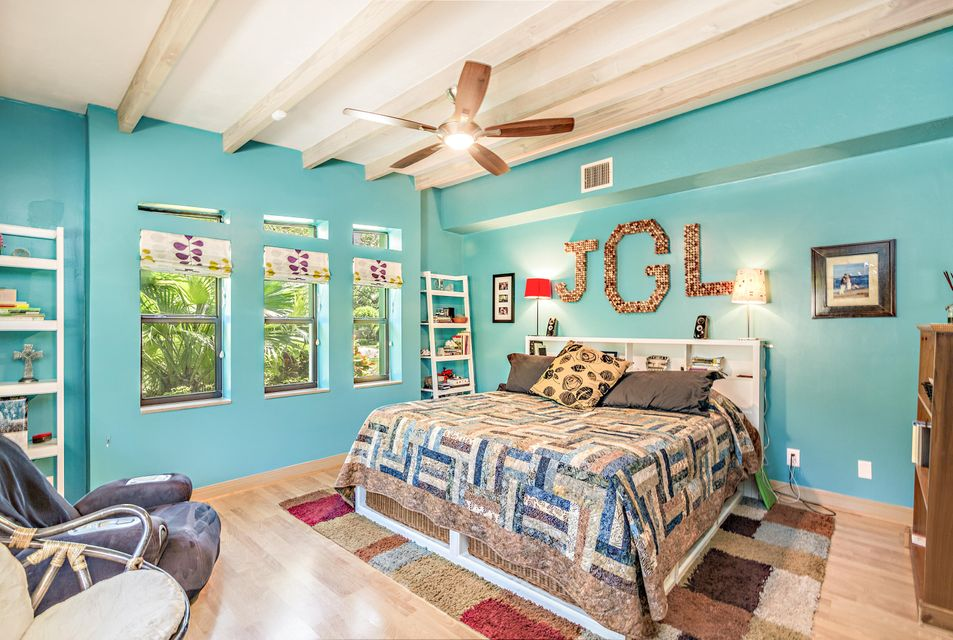 Additional photo for property listing at 245 Miramar Way  West Palm Beach, Florida 33405 Vereinigte Staaten