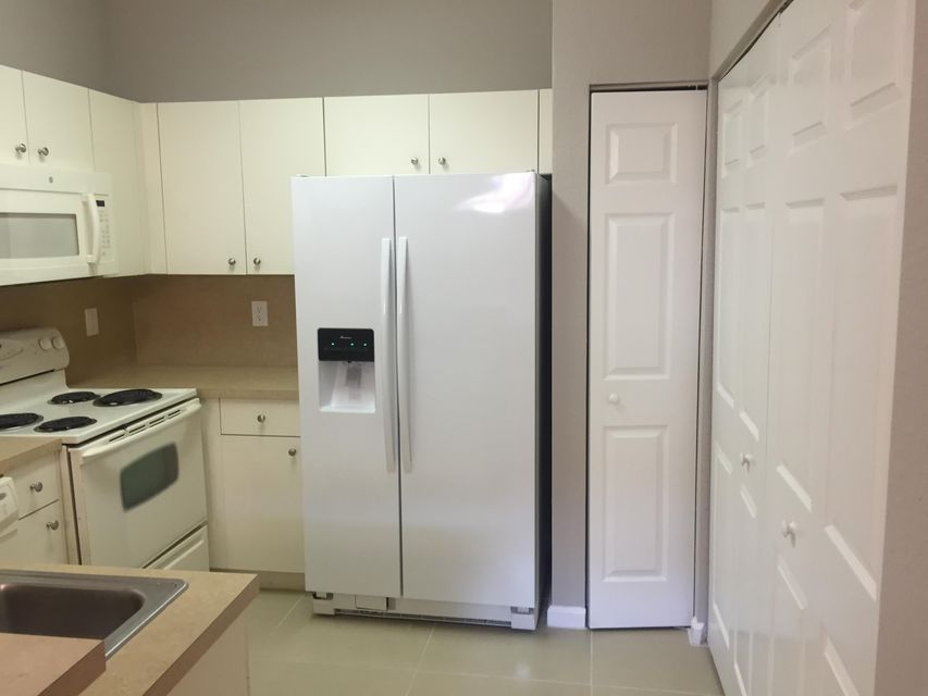 Additional photo for property listing at 1413 S Santa Catalina Circle 1413 S Santa Catalina Circle North Lauderdale, Florida 33068 Vereinigte Staaten
