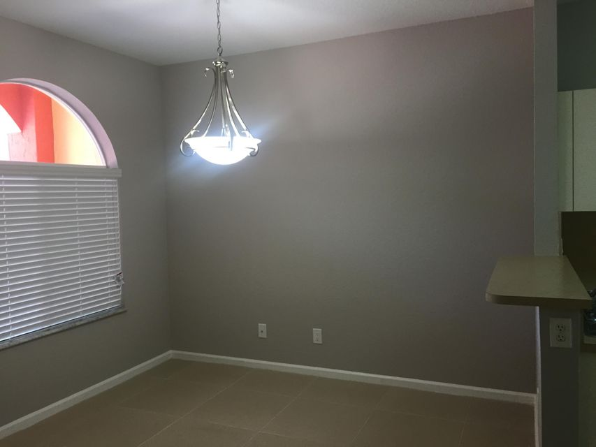 Additional photo for property listing at 1413 S Santa Catalina Circle 1413 S Santa Catalina Circle North Lauderdale, 佛罗里达州 33068 美国