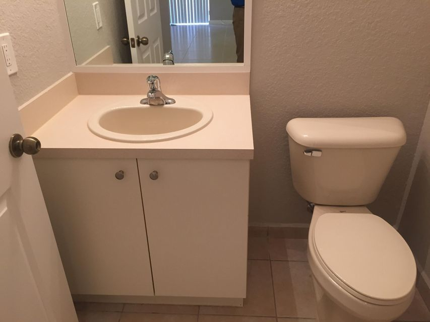Additional photo for property listing at 1413 S Santa Catalina Circle 1413 S Santa Catalina Circle North Lauderdale, Florida 33068 United States
