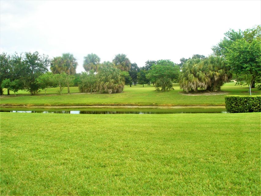 Additional photo for property listing at 184 Par Drive  Royal Palm Beach, Florida 33411 United States