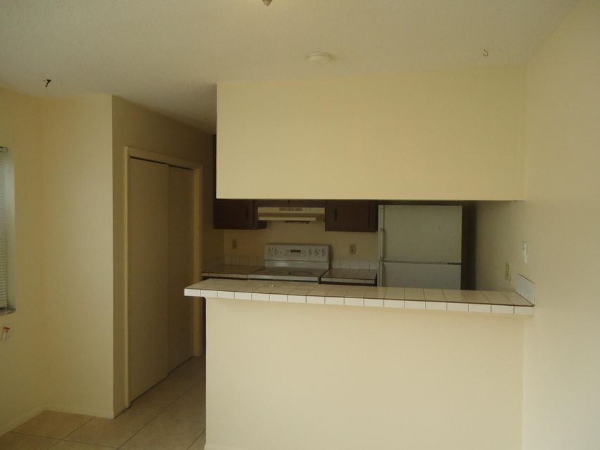 Additional photo for property listing at 908 Tiffany Drive E 908 Tiffany Drive E 西棕榈滩, 佛罗里达州 33407 美国