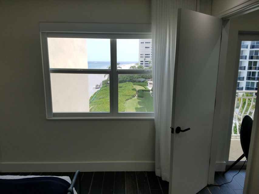 Additional photo for property listing at 310 S Ocean Boulevard 310 S Ocean Boulevard Boca Raton, Florida 33432 United States