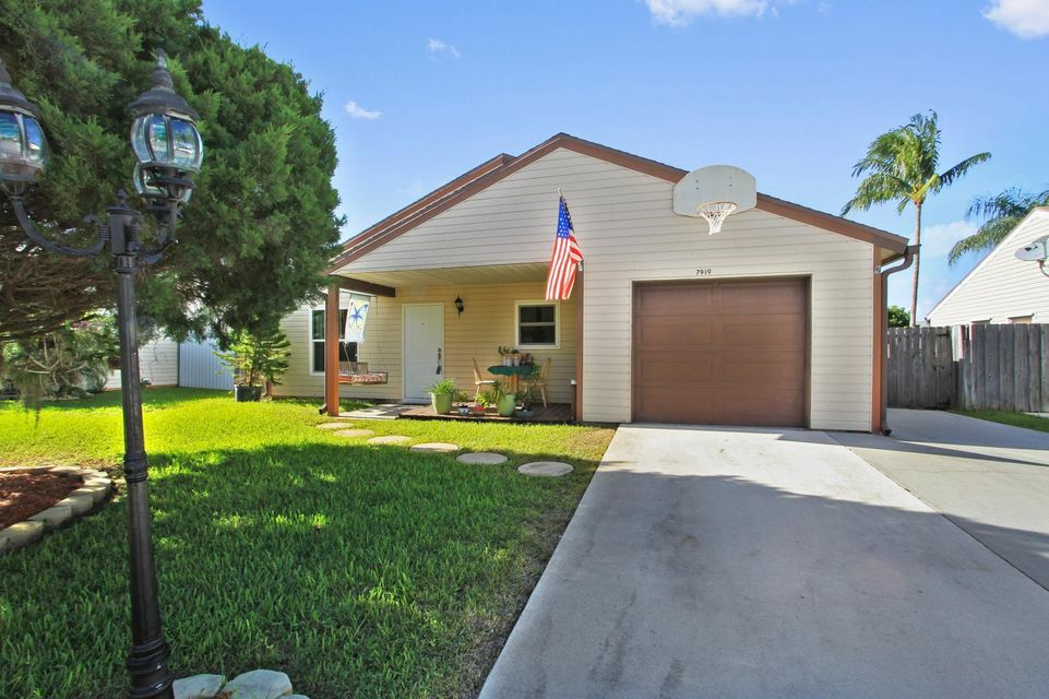 Additional photo for property listing at 7919 Bishopwood Road  Lake Worth, Florida 33467 Estados Unidos