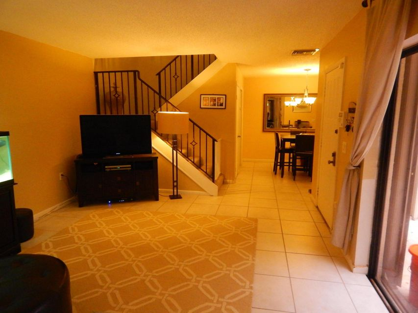 Additional photo for property listing at 1700 Embassy Drive 1700 Embassy Drive West Palm Beach, Florida 33401 United States