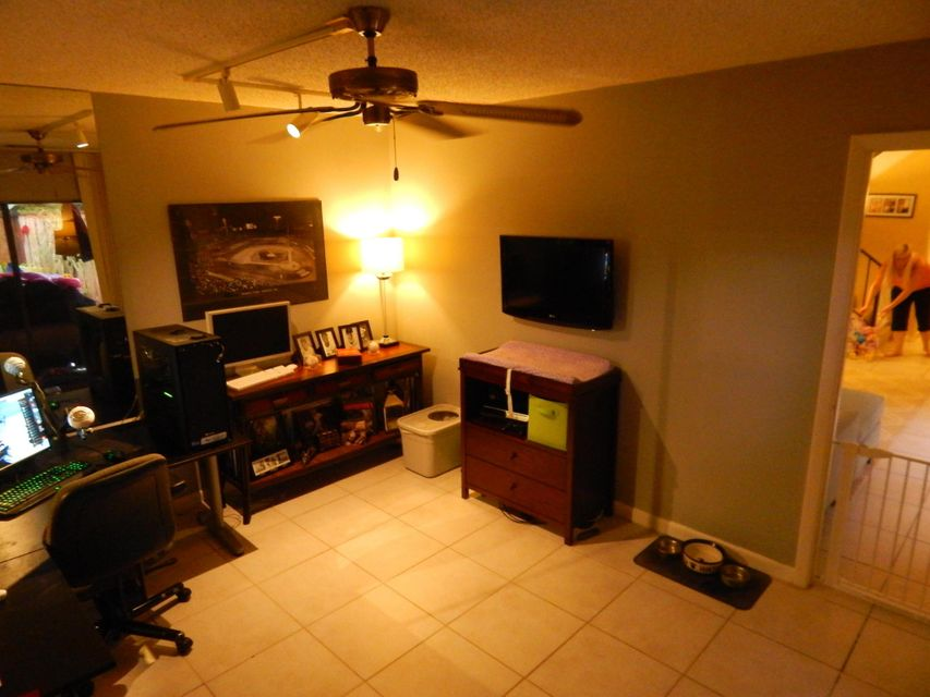 Additional photo for property listing at 1700 Embassy Drive  West Palm Beach, Florida 33401 Estados Unidos