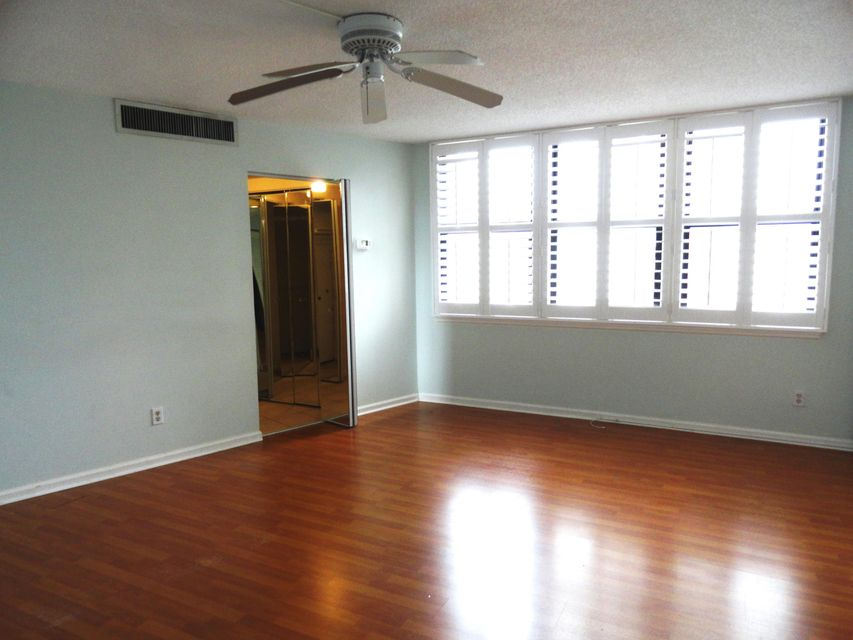 Additional photo for property listing at 2800 N Ocean Boulevard  Riviera Beach, Florida 33404 United States