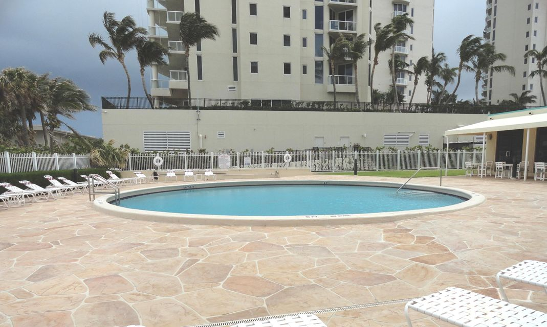 Additional photo for property listing at 2800 N Ocean Boulevard  Riviera Beach, Florida 33404 États-Unis