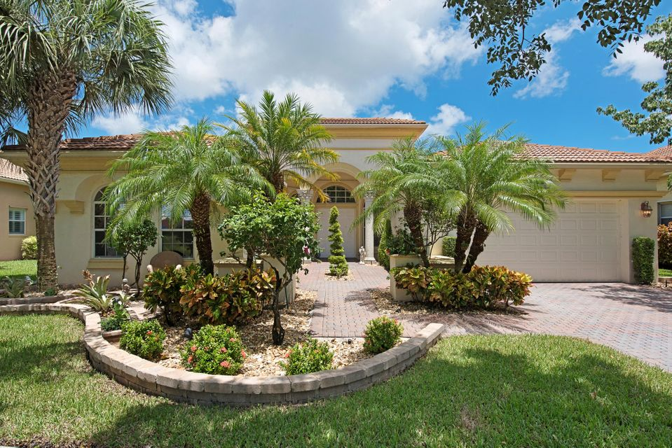 BUENA VIDA home 9257 Via Grande Wellington FL 33411