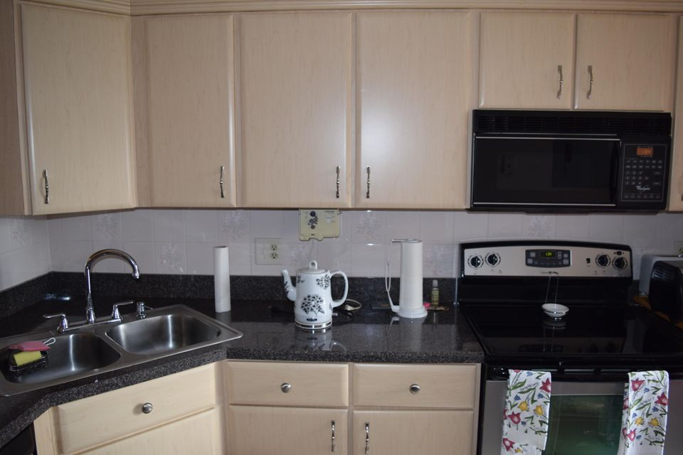 Additional photo for property listing at 2641 Gately Drive W 2641 Gately Drive W West Palm Beach, Florida 33415 United States