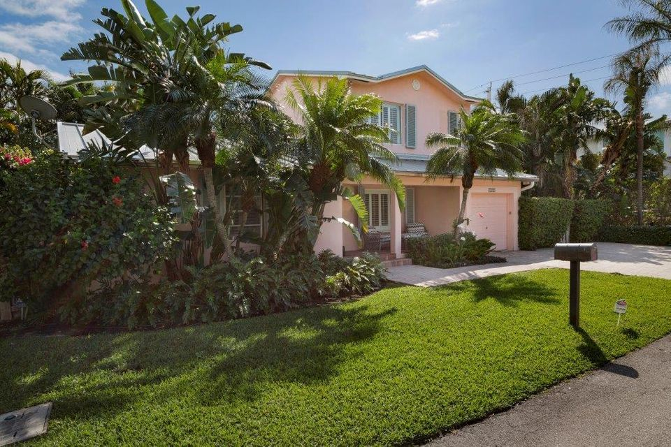 1102 Coconut Row  Delray Beach FL 33483