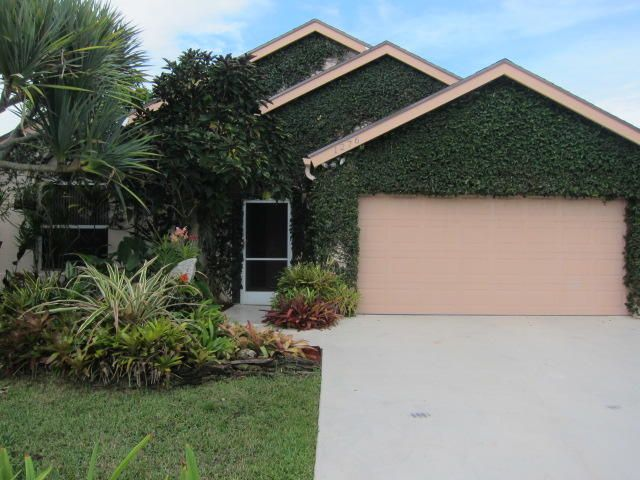 1276 Waterway Cove Drive  Wellington, FL 33414