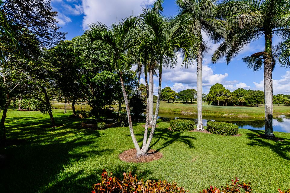 Additional photo for property listing at 18176 SE Old Trail Drive E 18176 SE Old Trail Drive E Jupiter, Florida 33478 United States