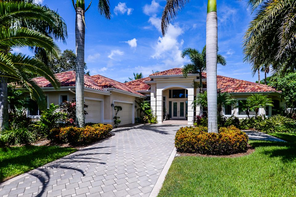 واحد منزل الأسرة للـ Sale في 18176 SE Old Trail Drive E 18176 SE Old Trail Drive E Jupiter, Florida 33478 United States