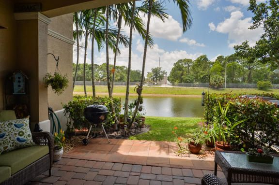 Townhouse for Sale at 4529 Artesa Way S Palm Beach Gardens, Florida 33418 United States