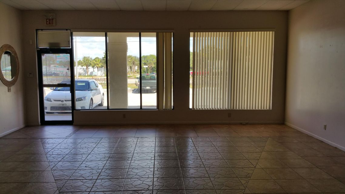 Additional photo for property listing at 6366 SE Federal Highway 6366 SE Federal Highway Stuart, Florida 34997 Estados Unidos