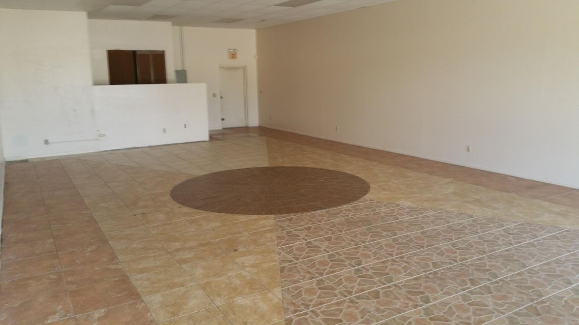 Additional photo for property listing at 6366 SE Federal Highway 6366 SE Federal Highway Stuart, Florida 34997 Vereinigte Staaten