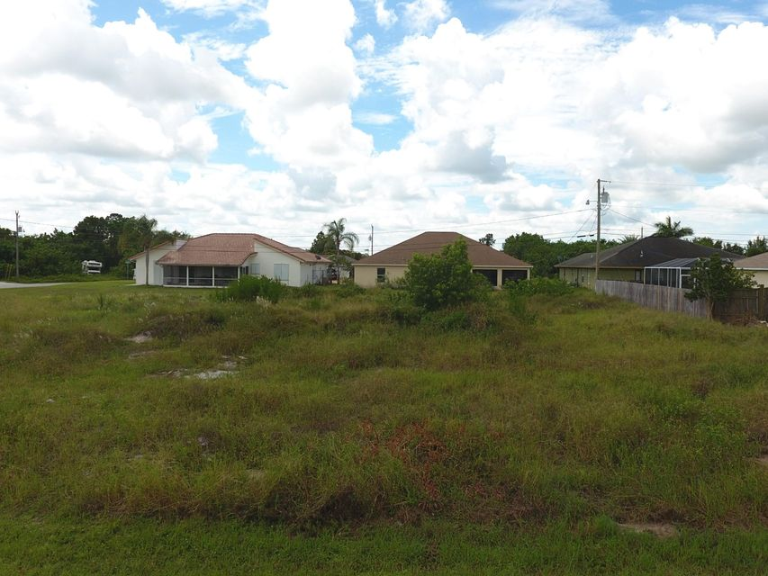 Additional photo for property listing at 612 SW Sarazen Avenue  Port St. Lucie, Florida 34953 United States