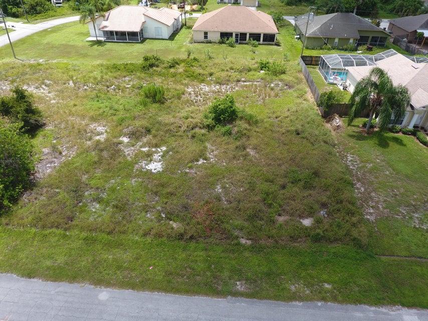 Terreno por un Venta en 612 SW Sarazen Avenue Port St. Lucie, Florida 34953 Estados Unidos