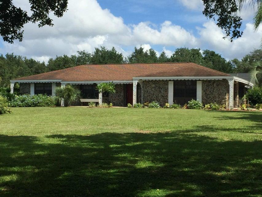 Casa Unifamiliar por un Venta en 8919 Oakwood Drive Lake Wales, Florida 33898 Estados Unidos