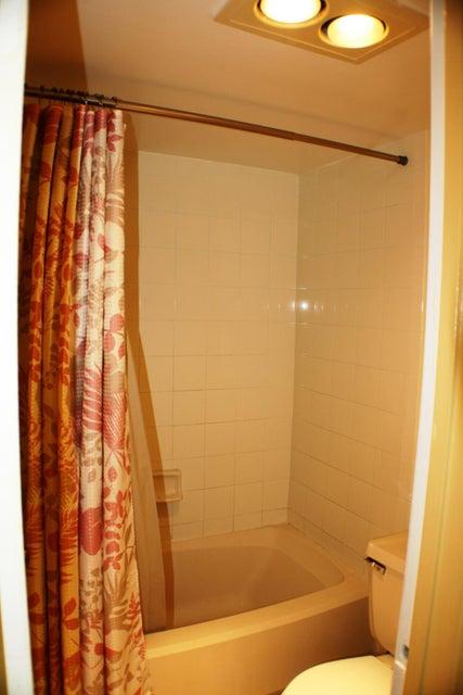 9875 Pineapple Tree Drive Boynton Beach, FL 33436 - photo 10