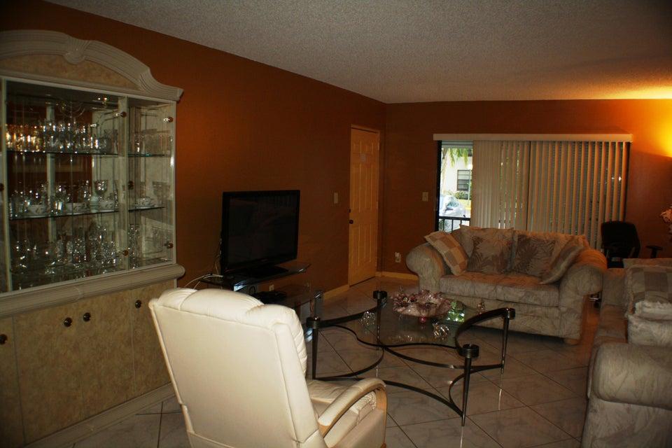 9875 Pineapple Tree Drive Boynton Beach, FL 33436 - photo 14