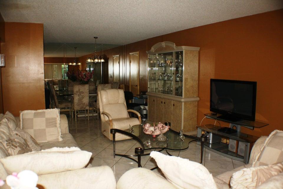 9875 Pineapple Tree Drive Boynton Beach, FL 33436 - photo 17