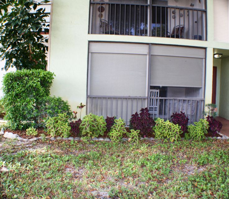 9875 Pineapple Tree Drive Boynton Beach, FL 33436 - photo 23