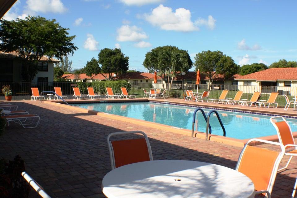 9875 Pineapple Tree Drive Boynton Beach, FL 33436 - photo 24
